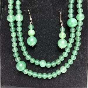 Jewelry - Green necklace and earrings.